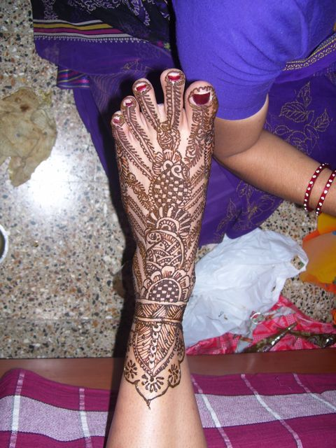 mehendi foot.jpg