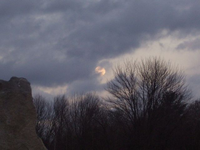 full moon rises.jpg